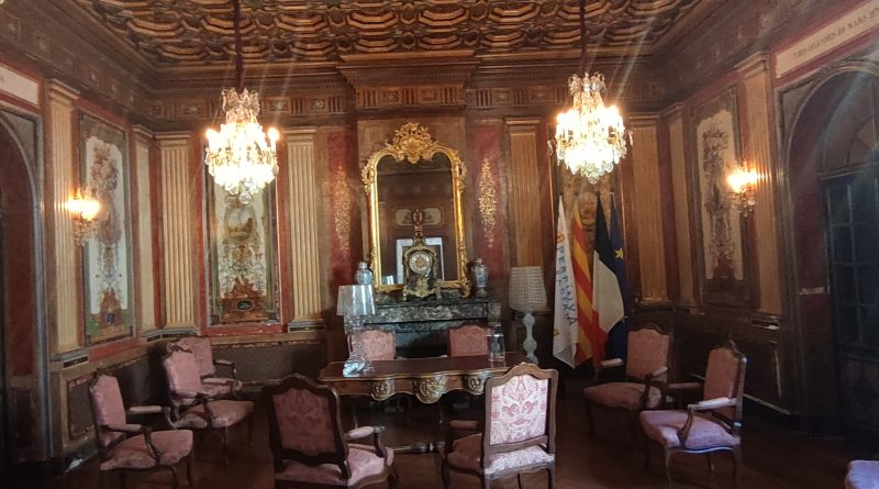 La salle des mariages à l'Hotel de Ville de Perpignan